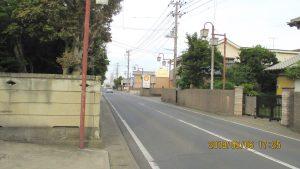 3 交差点を左に曲がります